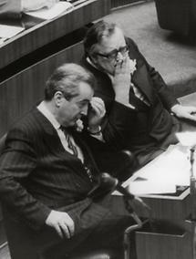 Alois Mock und Josef Taus im Parlament