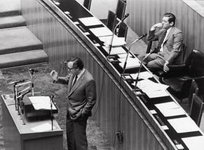 Josef Taus bei einer Rede im Nationalrat