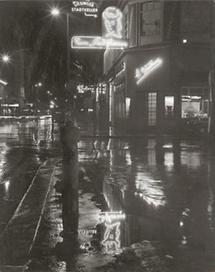 Die Kärntner Straße bei Nacht