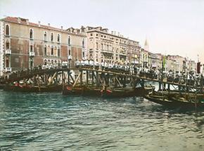 Feierliche Prozession in Venedig