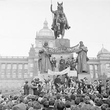 Prager Fühling: Demonstranten