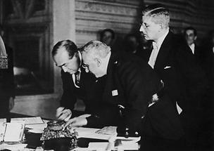 Die Unterzeichnung der Römischen Protokolle