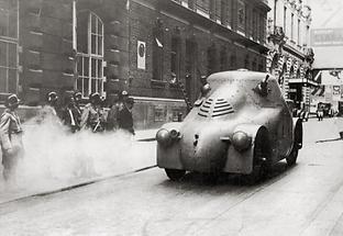 Panzerauto in der Wiener Innenstadt