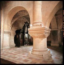 Romanische Säule in der Klosterkirche