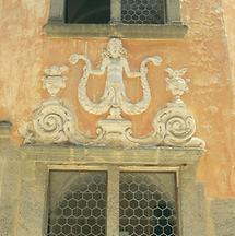 Barocke Skulptur über einem Portal der Riegersburg