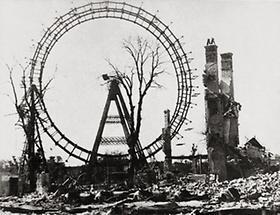 Das zerstörte Riesenrad im Wiener Prater