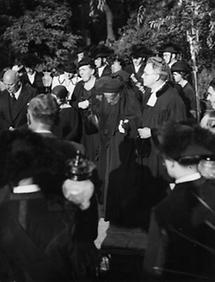 Beerdigung von Adele Sandrock