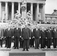 Adolf Schärf vor dem Parlament