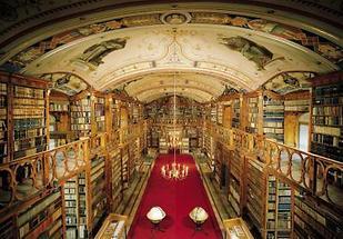 Bibliothek im Böhmerwaldstift Schlägl