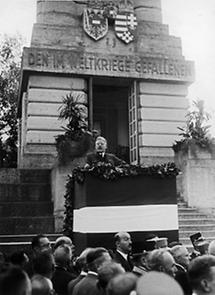 Kurt Schuschnigg bei der Ansprache