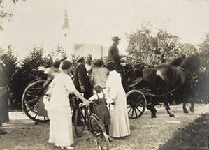 Gustav Klimt verabschiedet Gäste