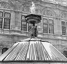 Brunnen vor der Wiener Staatsoper
