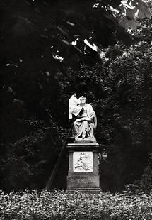 Reinigung des Schubert Denkmals