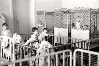 Kinder in der psychiatrischen Anstalt am Steinhof