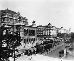 Der Wiener Opernring mit Staatsoper