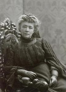 Bertha von Suttner (1)