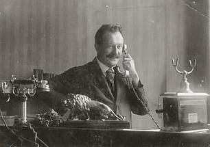 Telefonierender Chef