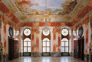 Festsaal in Stift Geras mit Deckenfresko