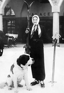 Mrs. Churchill beim Winterurlaub