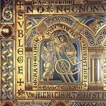 Elias im Feuerwagen. Emailtafel vom Verduner Altar