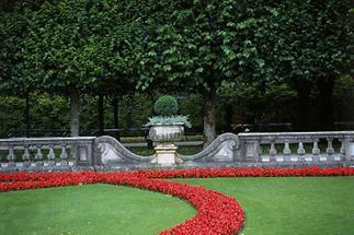 Im Mirabellgarten (1)
