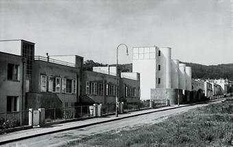 Vier Reihenhäuser der Werkbundsiedlung