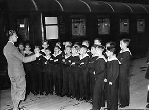 Die Wiener Sängerknaben vor ihrer Abreise