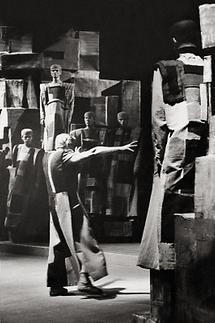 Bühnenbild von Fritz Wotruba (1)