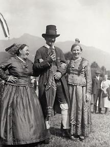 Bauern in Salzburger Trachten