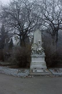 Grabdenkmal am Wiener Zentralfriedhof