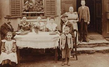 Gruppenaufnahme einer Familie