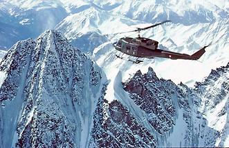 Hubschrauber über dem Großglockner
