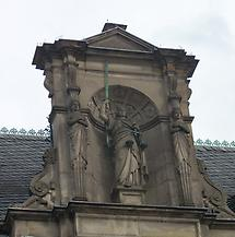 Altes Rathaus mit Justitia