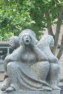 Fischweiberbrunnen 2