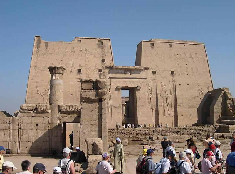 Temple of Edfu (2)