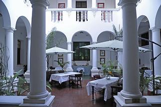 Bulawayo Club Hotel (2)