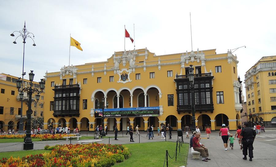 Plaza Mayor, townhall in Lima
