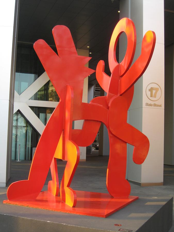 NYC Battery Park City Figure balancing on Dog von Keith Haring