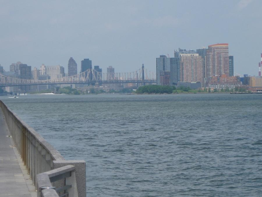 NYC Brooklyn Blick vom East River Park