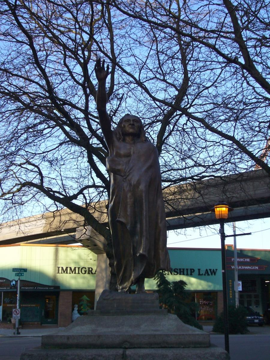 statue of Chief Seattle on Tilikum Place