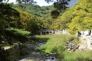Landscape near Tongdosa (2)