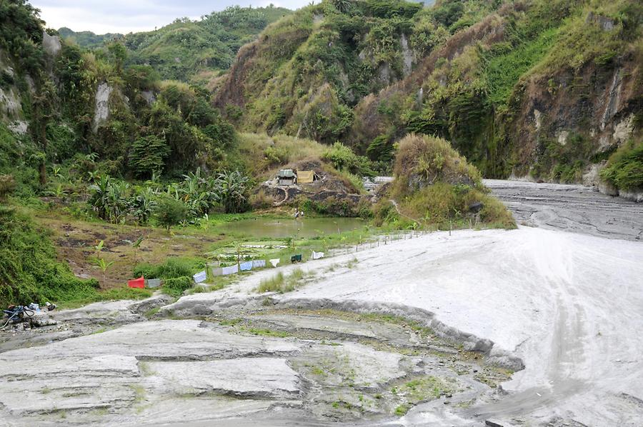 On the way to the Hot Springs of Pinatubo