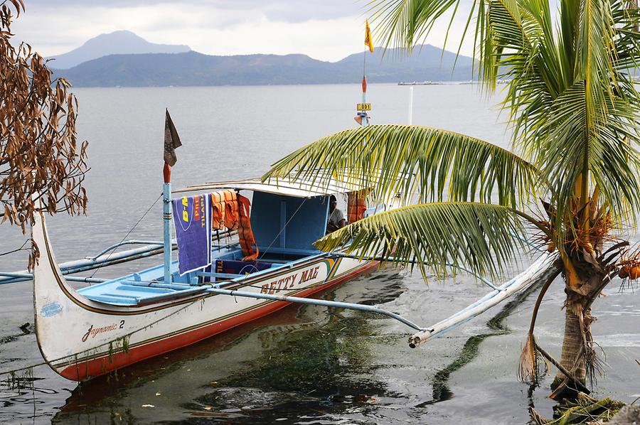 Outrigger Taal Lake