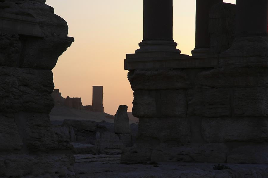 Sunrise over the Tetrapylon at Palmyra