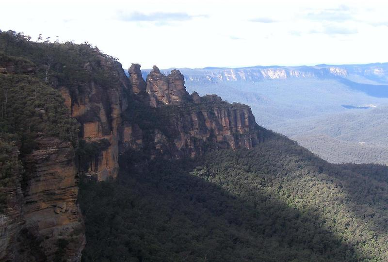 The Three Sisters Sandstone Rock Formation (2)