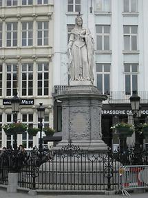 Mechelen - Grote Markt - Standbild von Margarete von Österreich