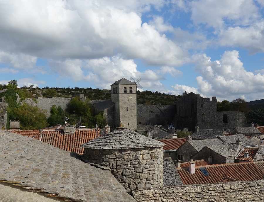 View from city wall of Couvertoirade, Photo: H. Maurer, 2015