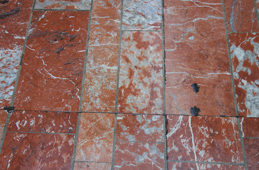 Red marble, Photo: H. Maurer