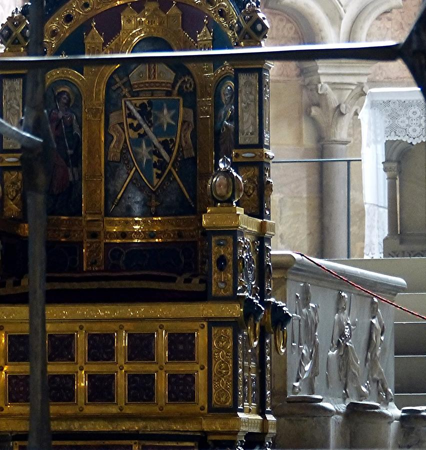 Bamberg - Cathedral - Tomb of Pope Clement II