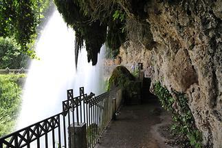 Waterfall Edessa (4)